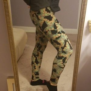 LuLaRoe butterfly print leggings